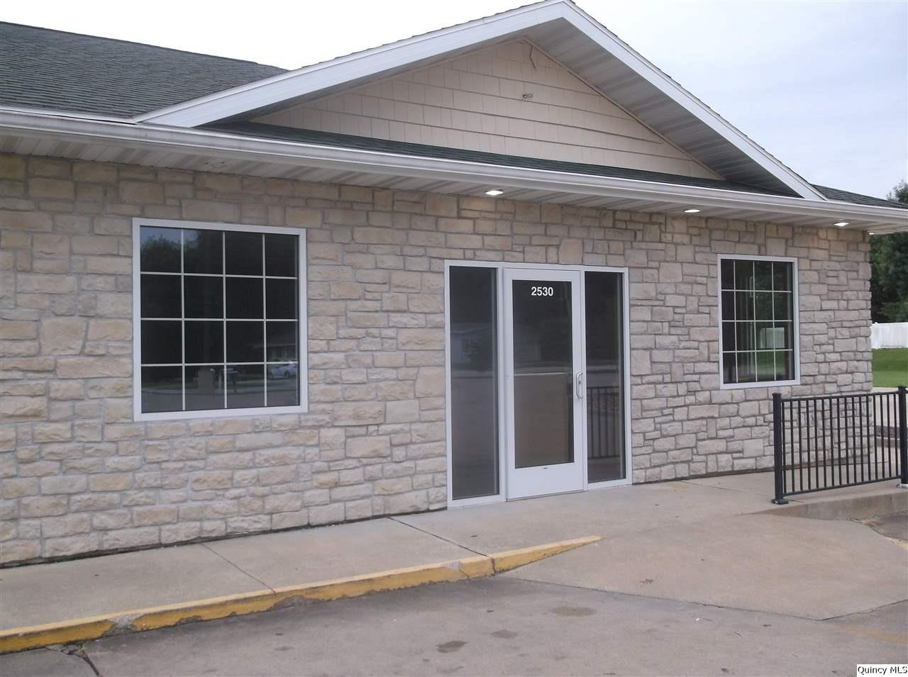 2530 N 12th, Quincy, Illinois 62305, ,Lease,For Rent,2530 N 12th,199728
